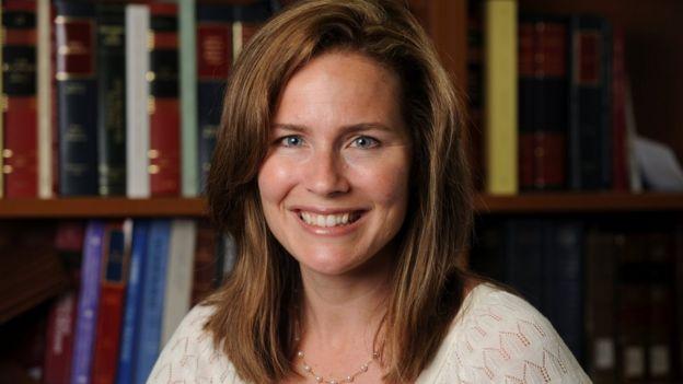 Amy Coney Barrett: Trump nominee testifies in Supreme Court hearing _114504998_9d4fb16a-48f5-4a0c-a4b9-c09efcc63bd0