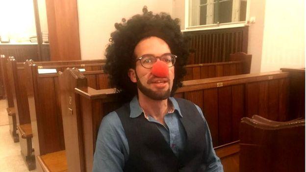 Josh Weiner disfrazado para celebrar el festival judío de Purim