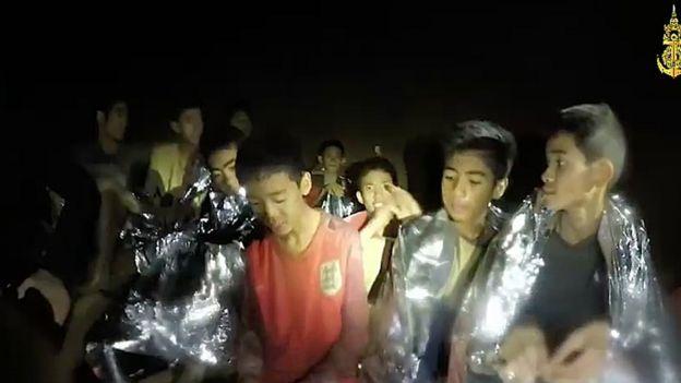 niños atrapados en una cueva en Tailandia.