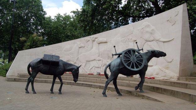 Памятник животным на войне