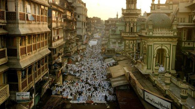 How the 1993 blasts changed Mumbai forever - BBC News
