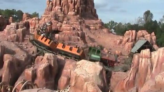 การนั่งรถไฟเหาะอย่าง Big Thunder Mountain จะช่วยขจัดนิ่วในไตได้ดีกว่ารถไฟเหาะแบบอื่น