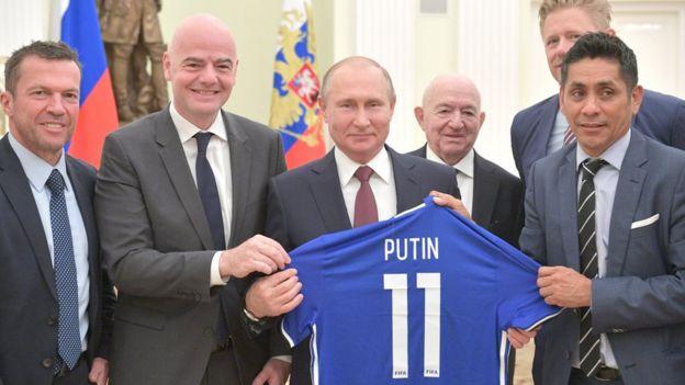 Путин и футболка