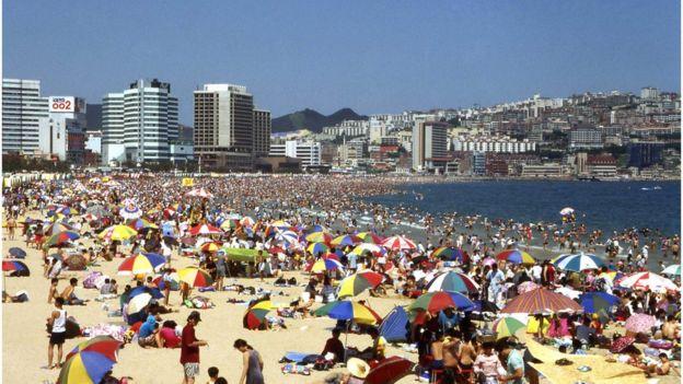 1990년대 경제호황기, 휴가를 즐기는 이들이 늘어났다