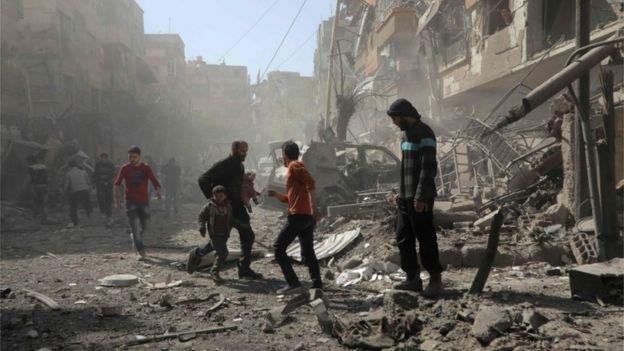 Amenaza Trump con misiles a Siria