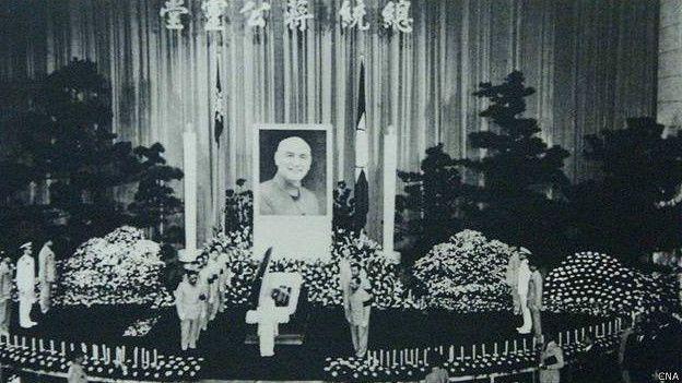 1975年蔣介石過世,台梵一度因為梵方未帕特使參與國葬問題引發台灣主教抗議