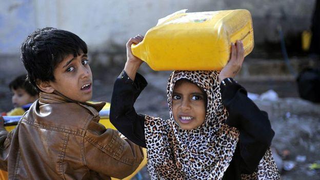 اطفال يمنيين