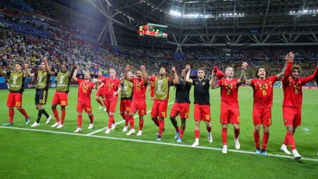 kutlama yapan Belçika takımı.