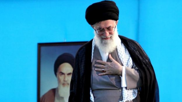 آیت الله علی خامنه ای اختیارات خود را به شورای عالی هماهنگی اقتصادی سران قوا تفویض کرده و مصوبات آن را ابلاغ می کند