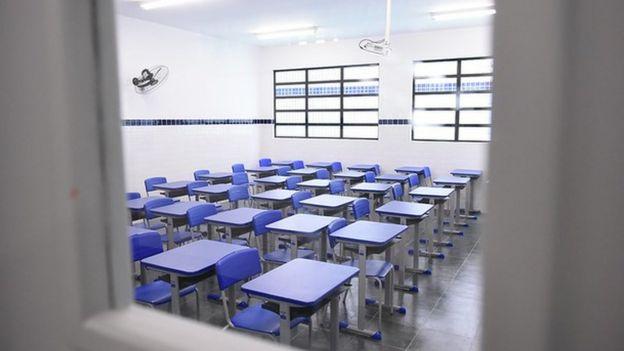 Sala de aula em escola pública do litoral paulista