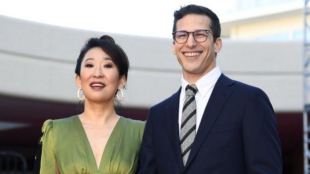 Sandra Oh y Andy Samberg