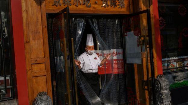 шеф-повар в китайском ресторане