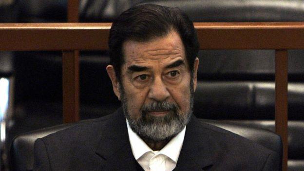 عندما ودّع الحراس الأمريكيون صدام حسين