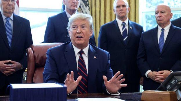 Trump en el Despacho Oval.