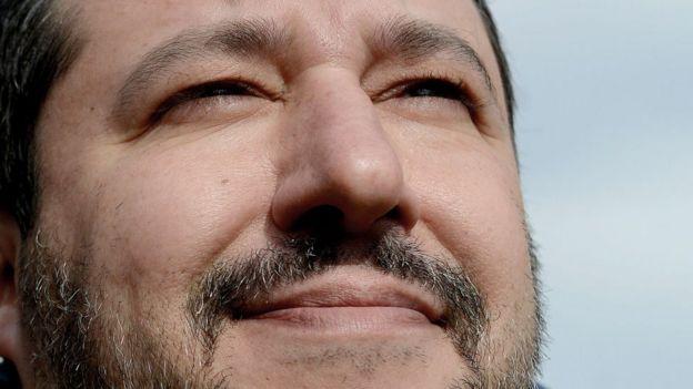 El controvertido ministro Salvini a Higuaín tras su pase del Milan ... 49d2d42620da6