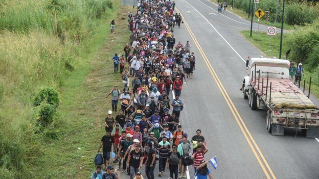 Donald Trump se ha quejado de forma reiterada por las caravanas de miles de inmigrantes centroamericanos rumbo a EE.UU.
