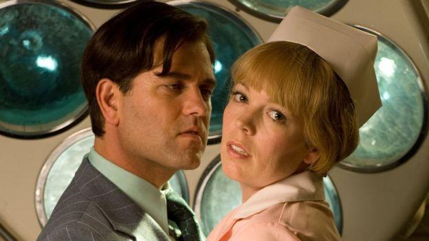 Patrick Baladi and Olivia Colman in Consuming Passion (2008)