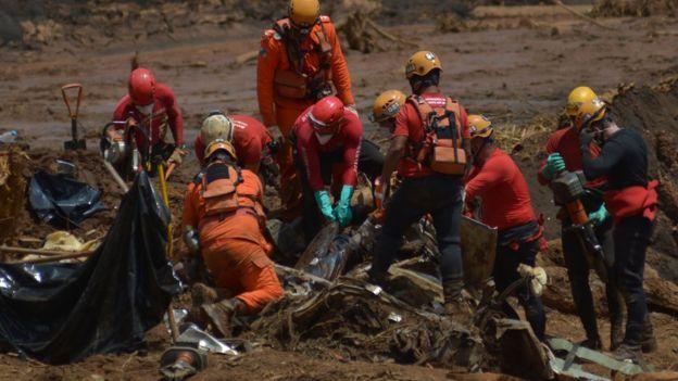 Equipe de resgate em Brumadinho / MG