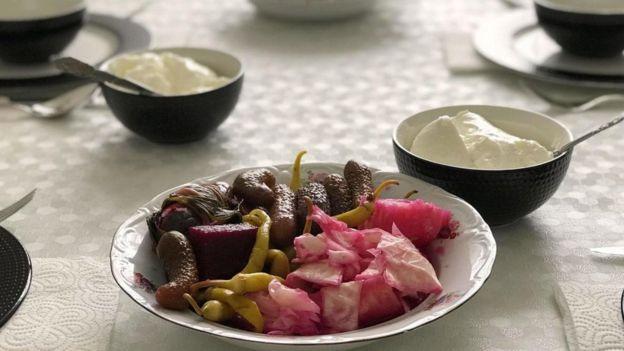 在土耳其,人们认为泡菜是均衡膳食营养的关键