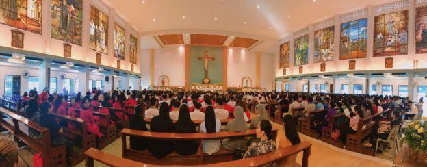 Gần 1.000 giáo dân Việt dự thánh lễ tại Giáo đường St. DonBosco