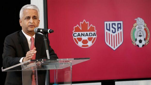 El presidente de la federación estadounidense de fútbol, Sunil Gulati, durante la presentación.
