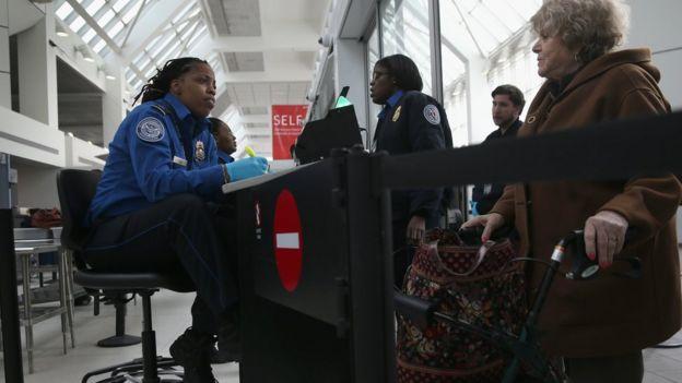 Un control de seguridad de vuelos en EE.UU.