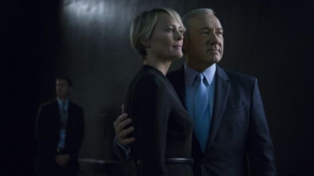 Claire y Frank Underwood personificados por Robin Wright y Kevin Spacey