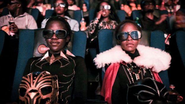 Visionado de Black Panther en Kenia en 2018.