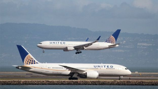 United Airlines planes in San Francisco.