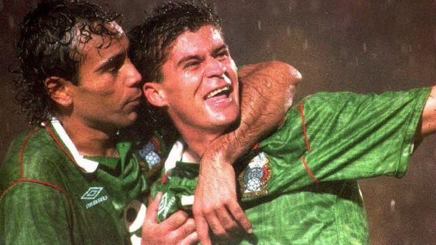 Ramón Ramírez y Hugo Sánchez celebran