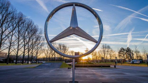 Símbolo de Mercedes-Benz.
