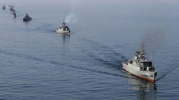 کشتیهای ایرانی در تنگه هرمز: یک پنجم از ذخایر جهانی نفت از اینجا عبور میکند