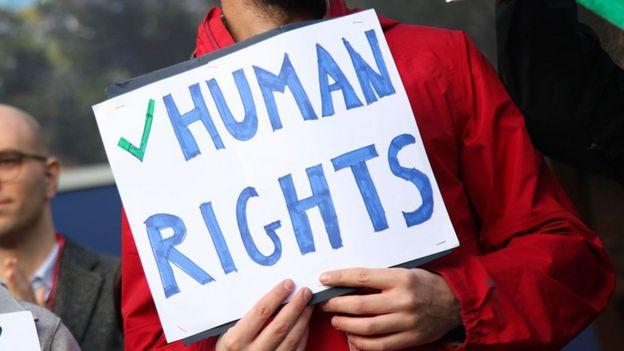 Protestos direitos humanos