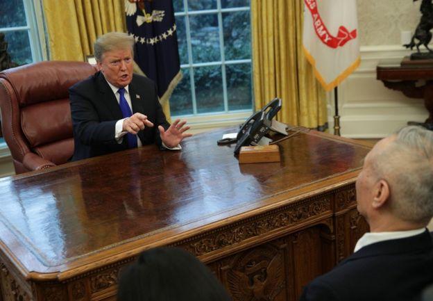 2019年2月22日,特朗普在白宫会见中国副总理刘鹤。