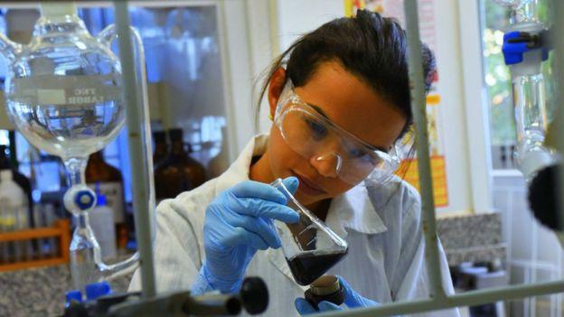 Estudiante en el departamento de química en Unicamp