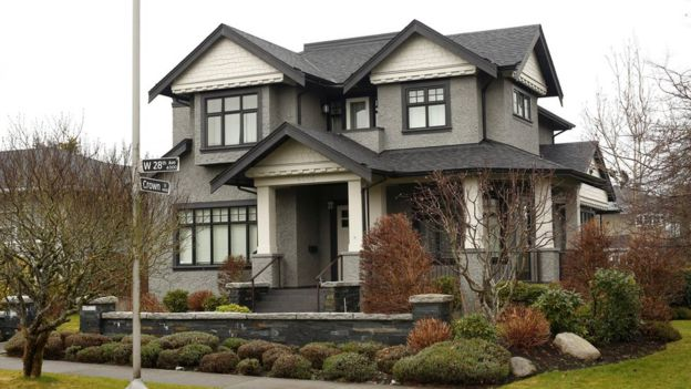 A home owned by the family of Huawei CFO Meng Wanzhou, who is being held on an extradition warrant, is pictured in Vancouver, British Columbia