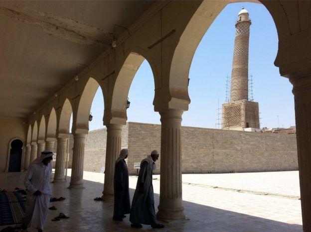 9 Temmuz 2014'te resimlenen Musul'daki El-Nuri Camii