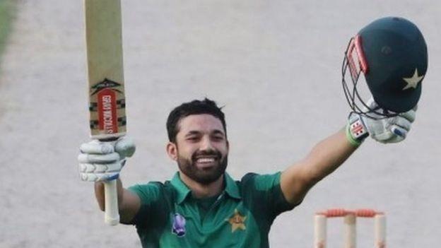 محمد رضوان نے اپنی سنچری 114 گیندوں میں مکمل کی