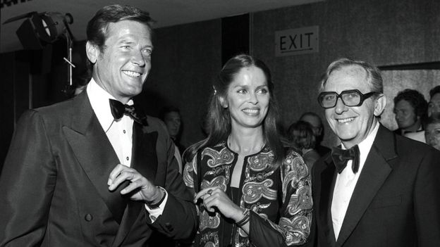 Lewis Gilbert with Roger Moore and Barbara Bach in 1977