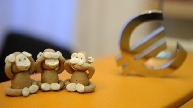 Мавпи і євро