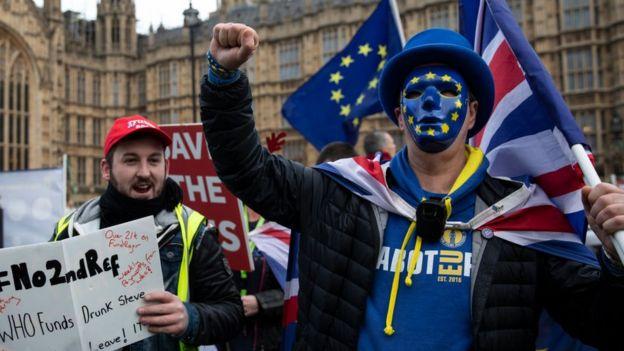 Manifestantes a favor de la permanencia de Reino Unido en la Unión Europea.