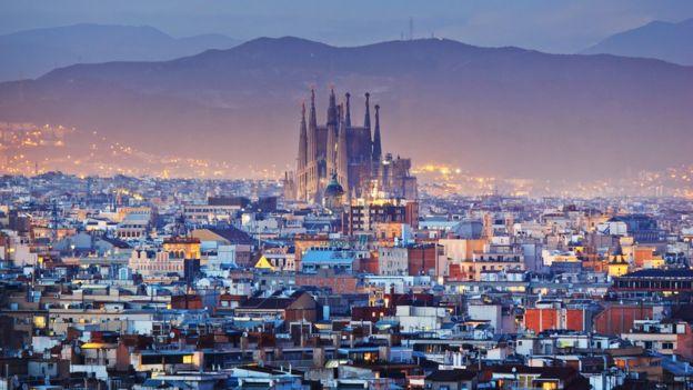 Vista de Barcelona y la Sagrada Familia