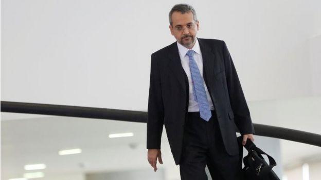 Ministro da Educação Abraham Weintraub caminha no Palácio do Planalto