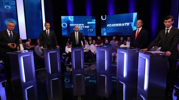 Debate de políticos británicos.