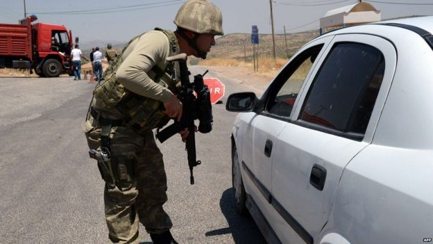 Turkish checkpoint in Diyarbakir on 26 July 2015
