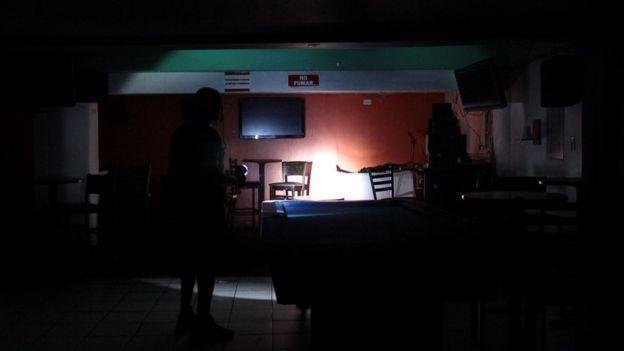 Casa sin luz en San Juan