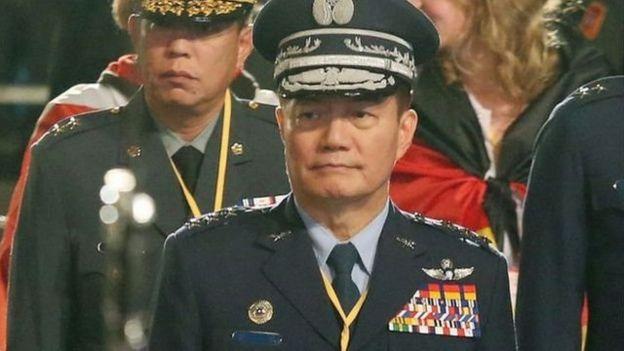 罹难者中的参谋总长、空军二级上将沈一鸣,曾经担任台湾国防部副部长、空军司令、国防部常务次长、副参谋总长、空军作战指挥部指挥官等职务。