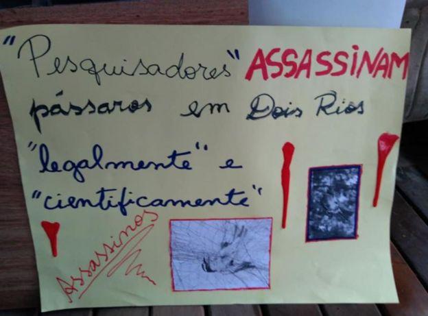 Cartaz colocado por Mônica Lima na Ilha Grande