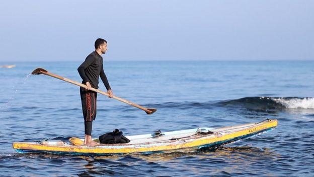 İsrail ve Mısır'ın kara, deniz ve havadan uyguladığı ambargo nedeniyle balıkçılar geçinmekte zorlanıyor