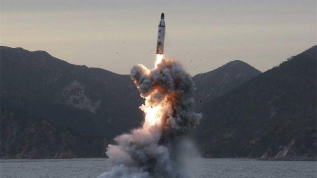 朝鲜从水下发射导弹